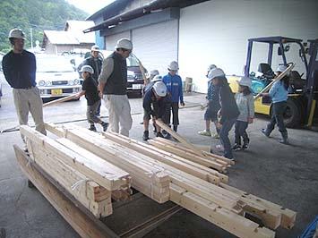 上棟式セットの使用木材一式、全てに番付けが付いている