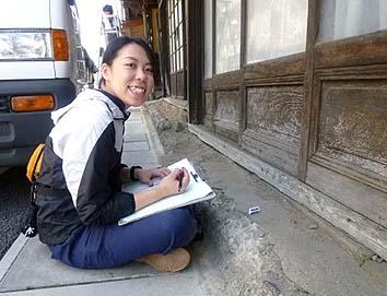 平成22年5月調査時の学生リーダー田揚裕子さん