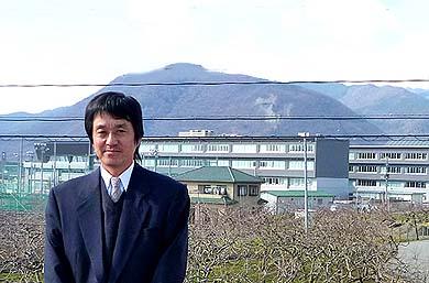 もう一人弊社から派遣した黒沢明監督、9月2日は出席できませんでした。写真の背景は今回表彰の対象となった笛吹高校第3工区(南館)