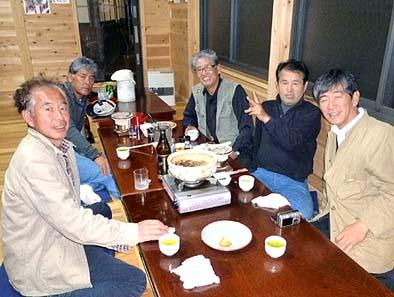 芦川ファンクラブのメンバー 左が市川さん、まん中が長田さん、右端が弊社社長の石川です