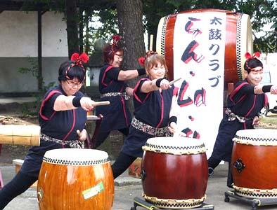 地元山梨市の太鼓クラブ「らん、La、乱」によるド迫力の演奏