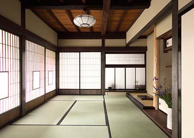 唯一の和室7.5帖 室内を広く見せるために床柱を奥に引き込ませている。