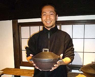 陶芸家 山下岳氏とその作品 この土鍋でご飯を炊くと大変美味ということです