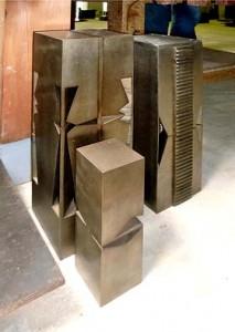 建築の柱に組み込んでみたい、康夫さんの作品その1。