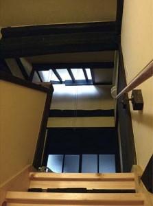 換気と採光を行う階段室最上部。