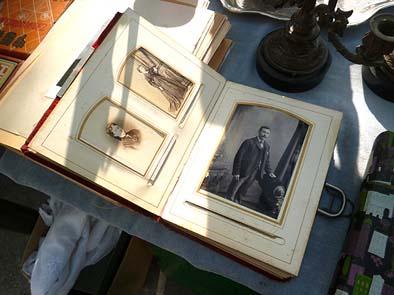 古い写真や絵葉書もありました。