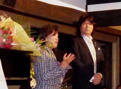 岩本さんのファンという奥様。