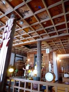 福蔵院本堂(不動堂)の天井画のある様子