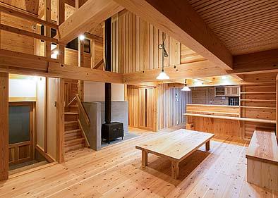 居間 ストーブで主暖房を計画