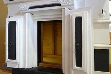 扉を開ける…中もまるで本物の蔵の様子