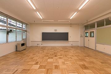 竣工 普通教室