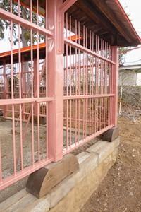 修理工事が完了した玉垣