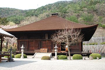 1286年 国宝・大善寺薬師堂 山梨県最古の木造建築物。鎌倉時代。国宝の中の国宝というべき日本の宝。御年729歳。