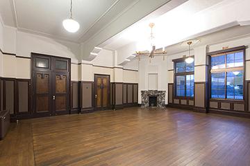 旧知事室 床の大規模修理、木製建具の修理などを担当