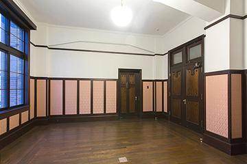 旧知事応接室 床の大規模修理、木製建具工事などを担当