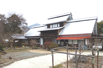 甲州市内で最も建立年代の古いものに数えられる古民家