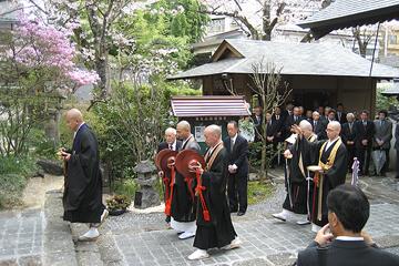 落慶式 僧侶入場