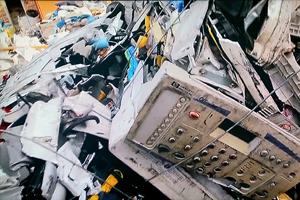 使い捨てのパソコンや携帯電話などの家電が毎日大量に廃棄されている