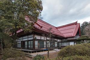 庫裏屋根(南西面を見る)