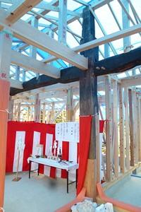 上棟式にて 大黒柱と大梁の構造体