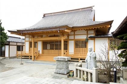 落慶した蓮生寺、本堂外観