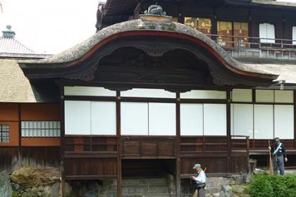 西本願寺(飛雲閣の唐破風)