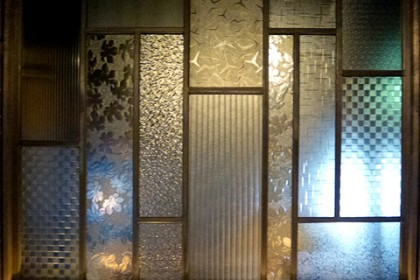 昔ガラスの創作窓