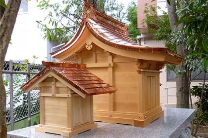 完成した新神殿(側面)