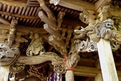 彫刻は江戸から明治にかけて活躍した福田俊秀の手によるもの