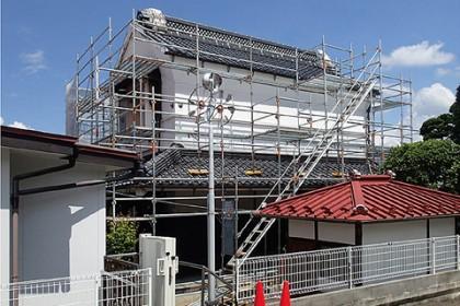 工事中の旧田中家座敷蔵(南東面)