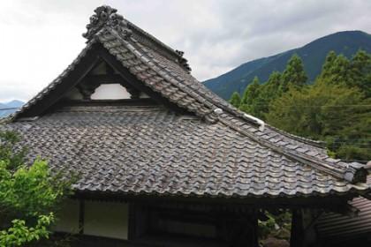 緊急修理が完了した清正公堂の屋根 その2